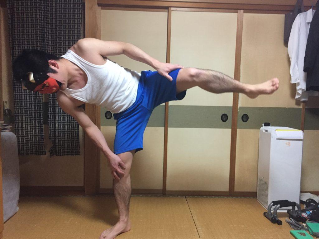 下半身痩せ筋トレに効果的な四股踏みのやり方