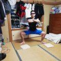 相撲スクワット(四股スクワット)のやり方|男女とも効果絶大!AYAさんも筋トレメニューに取り入れている!